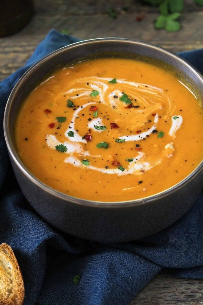 Instant-Pot-vegan-carrot-ginger-soup