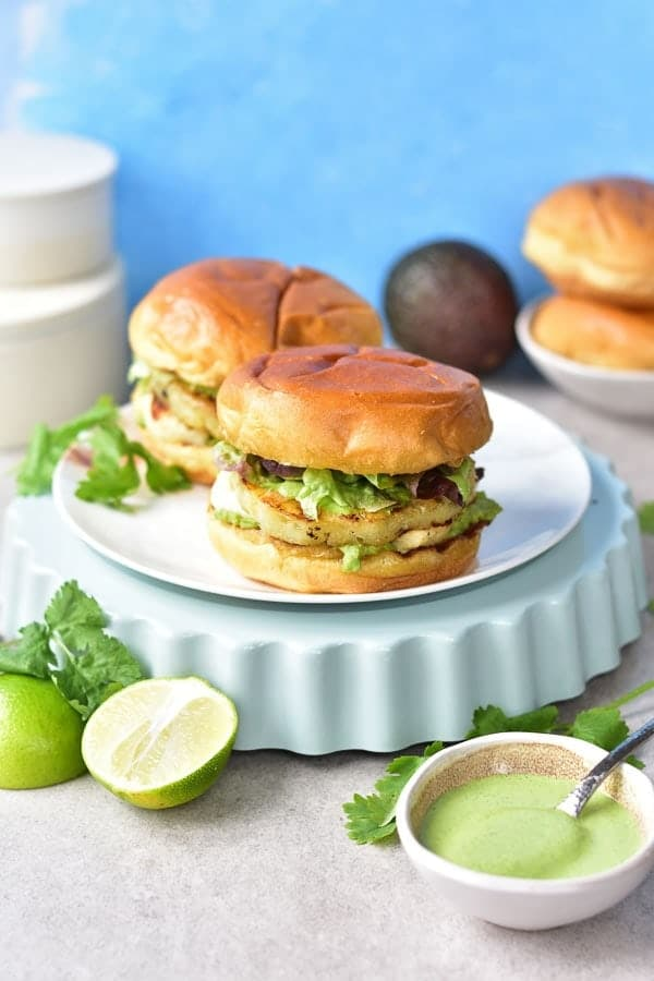 Instant-Pot-Grilled-halloumi-and-pineapple-veggie-burgers-with-avocado