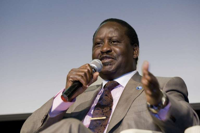 See why this video of Raila dancing with a lass has gone viral