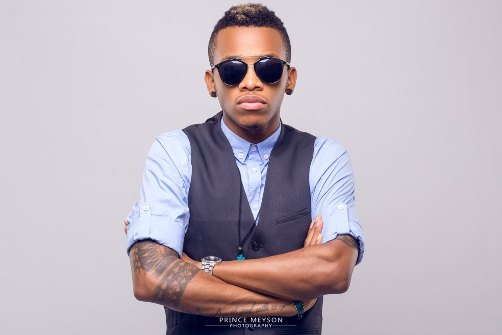 Tekno disappoints fans with late and bad performance