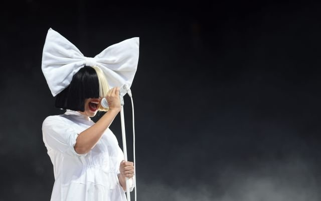 sia-sia Sia's Nude Game is Strong