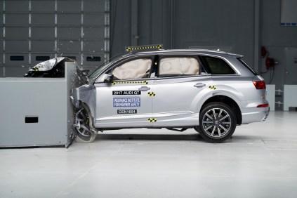 2016 Audi Q7 IIHS 1