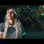 DTF – Elle a (English lyrics)