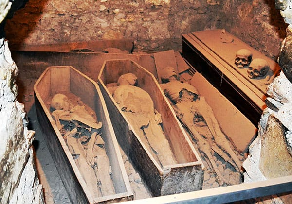 "The famous four mummies of St. Michan's Church, from left to right, ""The Nun"", ""The Thief"", ""The Unknown"" and at the back ""The Crusader"" - The Irish Place"