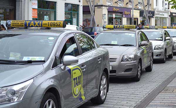 Public Transport in Ireland, A Taxi Rank