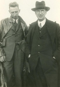 Eamon de Valera with Todd Andrews. De Valera abandoned abstentionism in 1927. (Courtesy of the Irish Volunteers website)