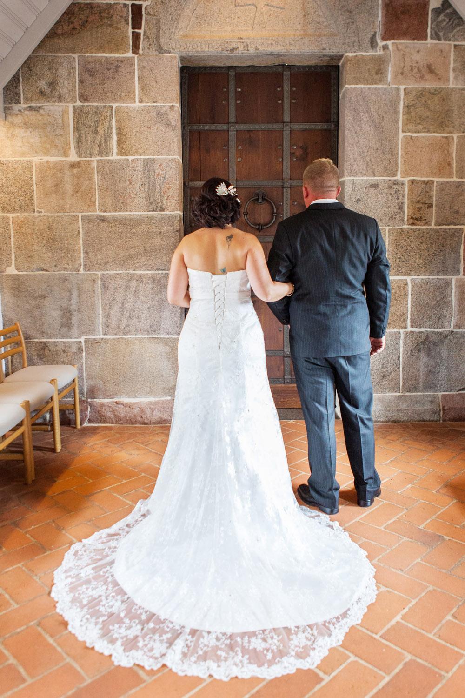 Spændt brud afventer bryllup i Herning