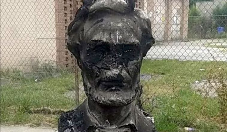 abraham lincoln torched chicago