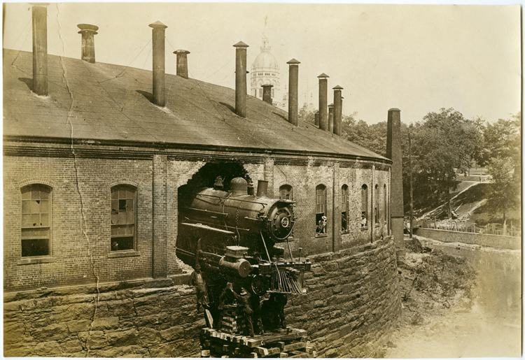 [New York, New Haven and Hartford Locomotive No. 321 crash through roundhouse]