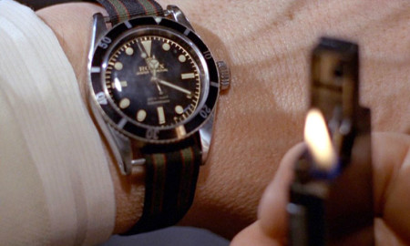 A screen capture of Goldfinger Blu-Ray shows the tri-coloured watch strap.