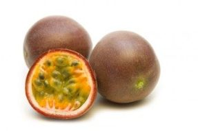 Fight Cholesterol and Lose Weight with Passion Fruit