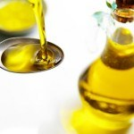 5 health and beauty tricks with olive oil