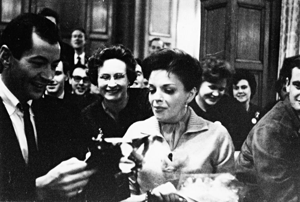 November 29, 1964 Judy Garland with her Fan Club in London