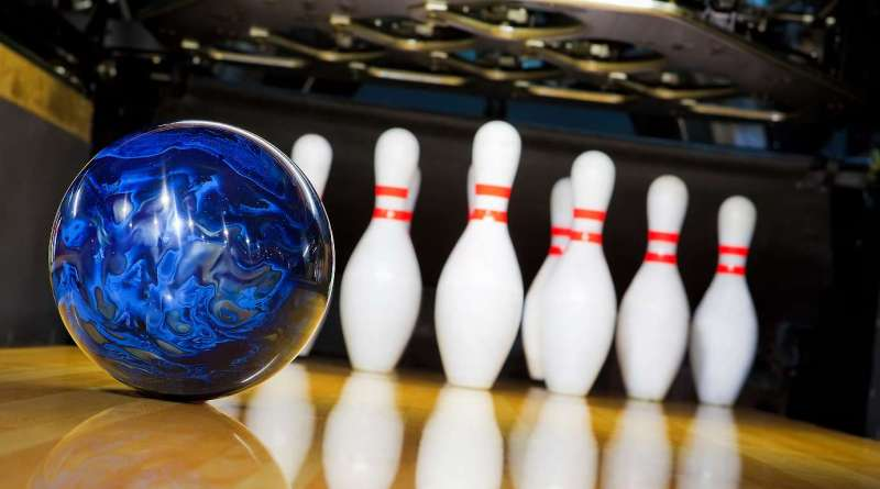 Students can go bowling  for free on Saturday