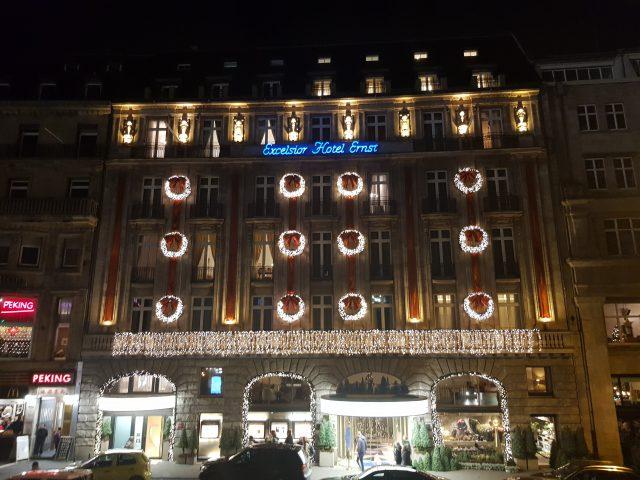 Weihnachtsschmuck am Hotel Excelsior am Dom, rs/ kasaan media, 2019