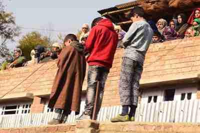 south kashmir, Owais Ahmad Lone - Arwani gunfight, sanna irshad mattoo