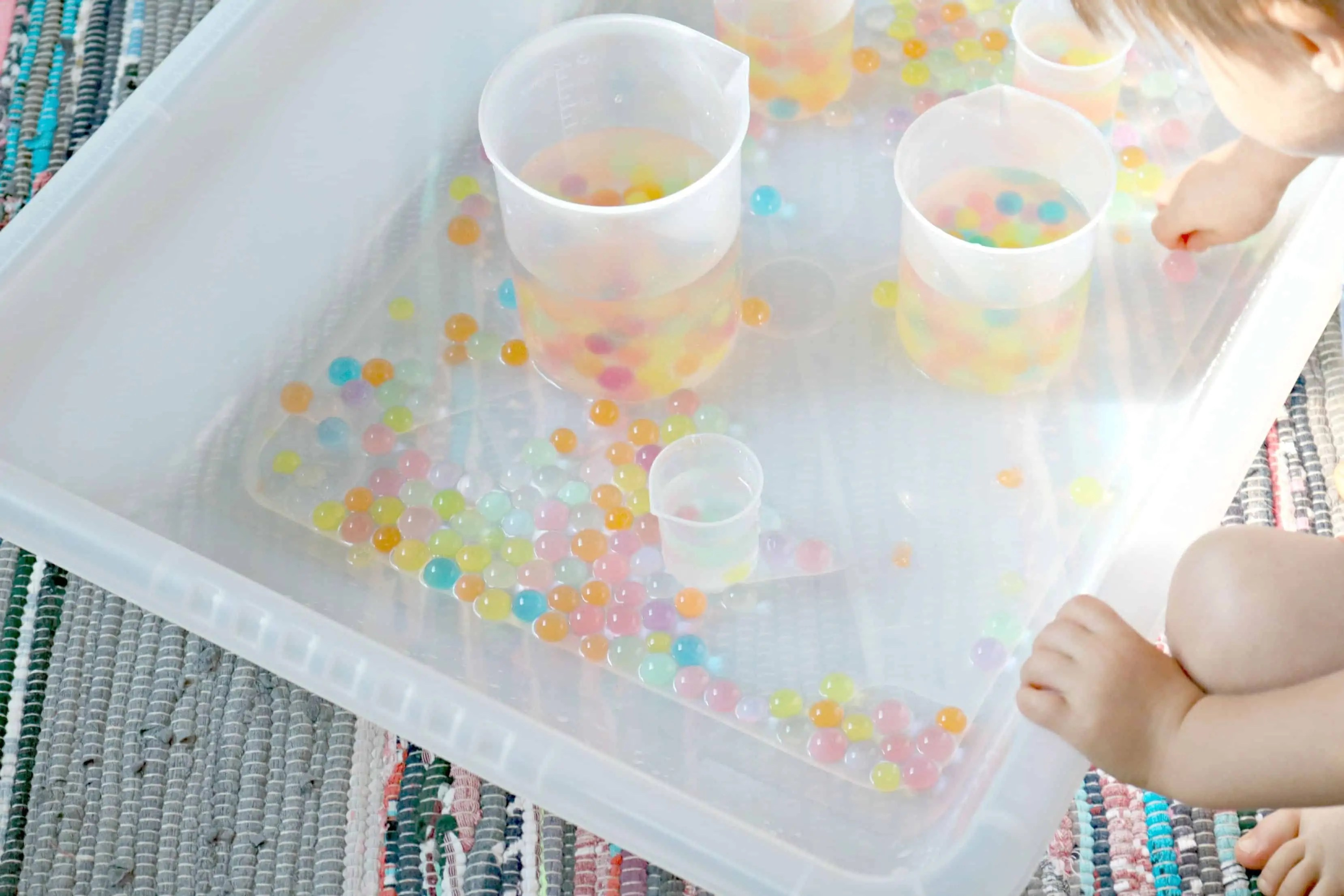 Pouring Measuring W Rainbow Water Beads
