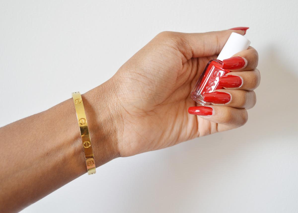 Mani Monday: Essie Jelly Apple Nail Polish Swatch