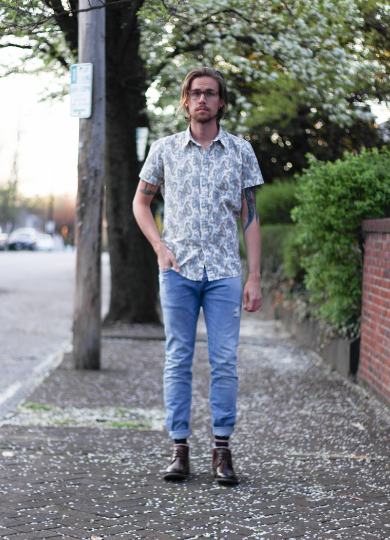 The Kentucky Gent as part of Sun Tan City's Style Squad in Kennington Paisley Shirt, HM Jeans, Steve Madden Bronxxx Boots, Soxy Socks, and Original Penguin Glasses.