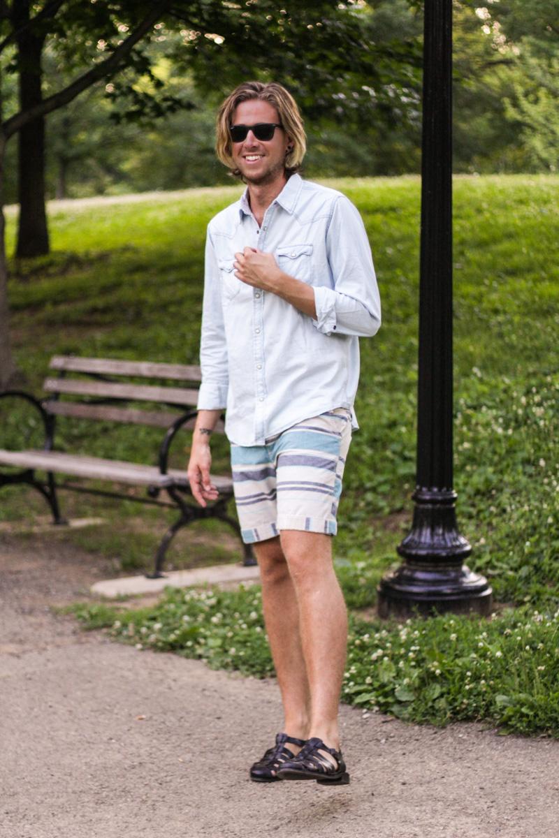 The Kentucky Gent in Aeropostale Chambray Shirt, Aeropostale Striped Shorts, Ray-Ban Wayfarers, and Zara Sandals.