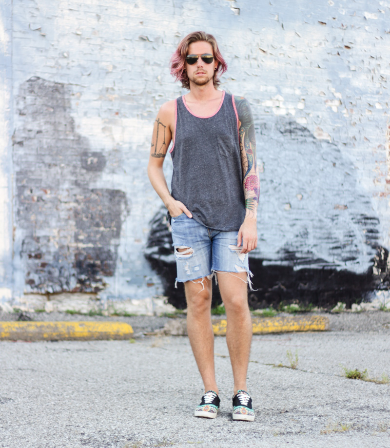 The Kentucky Gent in Aeropostale Ringer Tank Top, Levi's Cut Off Shorts, Bucketfeet Shoes, and Ray Ban Wayfarers.