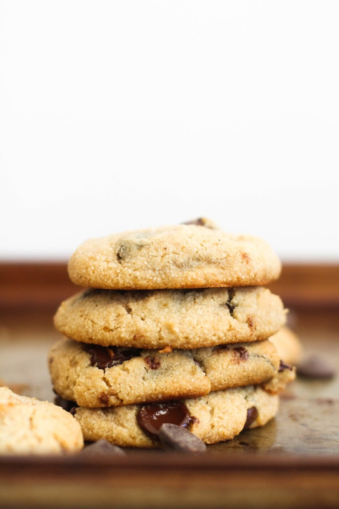 Almond Flour Chocolate Chip Cookies (V&GF)