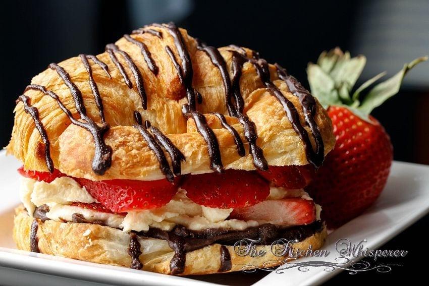 Croissant Love7