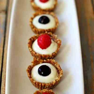 4th of July Mini Greek Yoghurt Berry Tarts