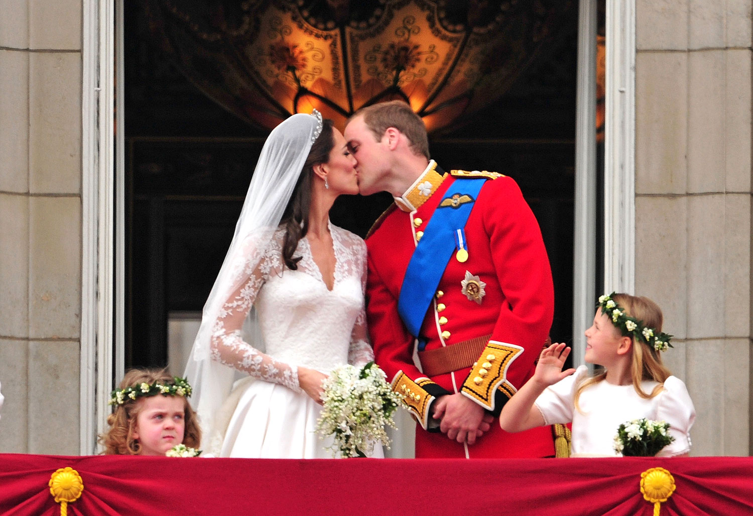 Kate Middleton And Prince Williams Wedding Facts And Photos