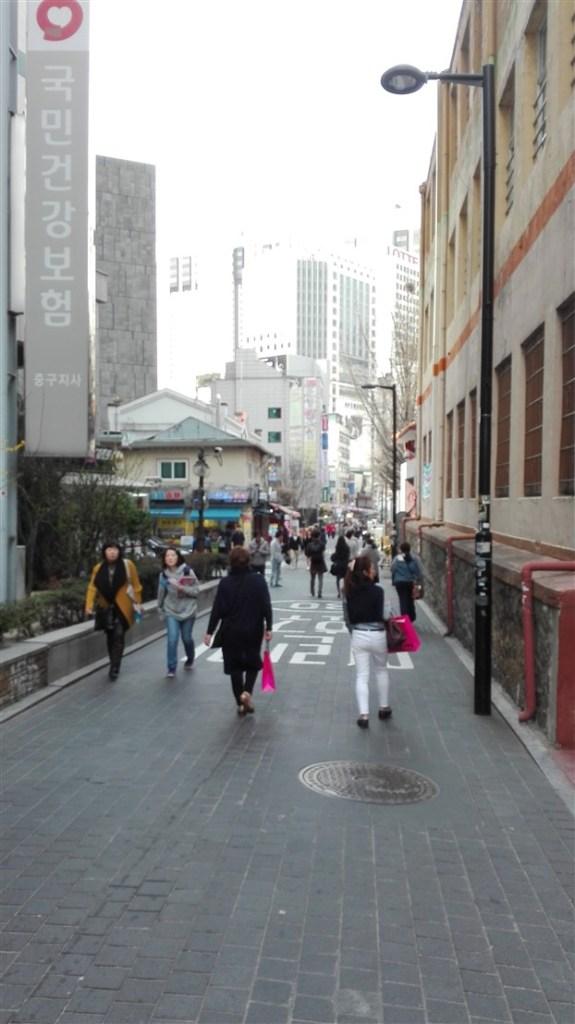 Myeondong echanger des wons - blog corée du sud - the korean dream
