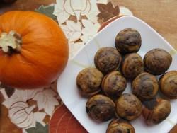 The best pumpkin dark chocolate muffin recipe // The Krystal Diaries