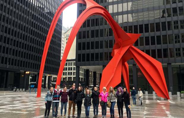 Chicago Architecture Foundation Walking Tour Pose In Federal Plaza During A With The On Decorating Ideas