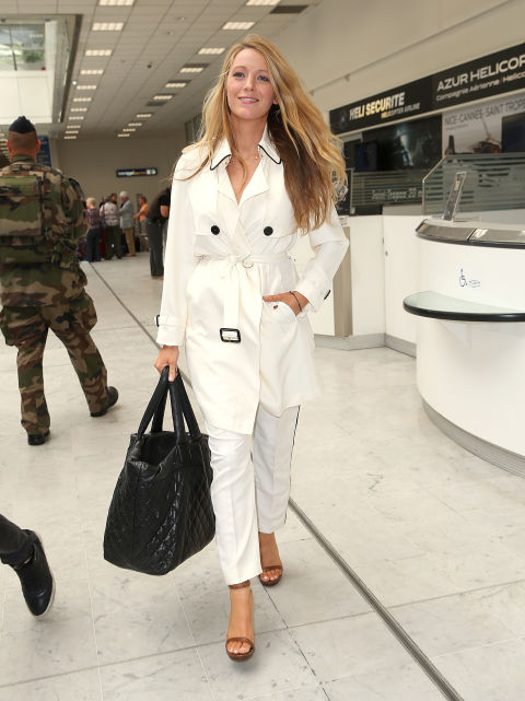 Blake Lively at the airport. TRAVELLING IN STYLE | Tips to look like an airport celebrity when you travel | The Lady-like Leopard
