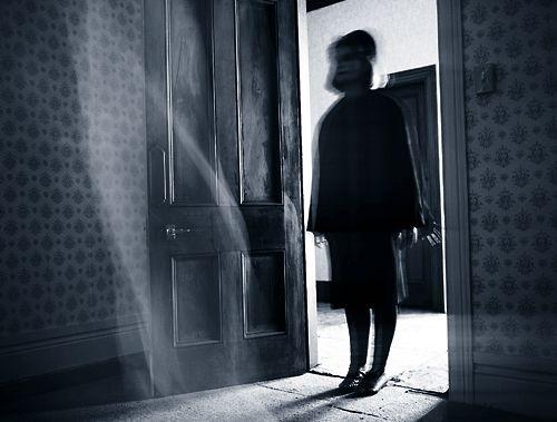Imagini pentru girl ghost door