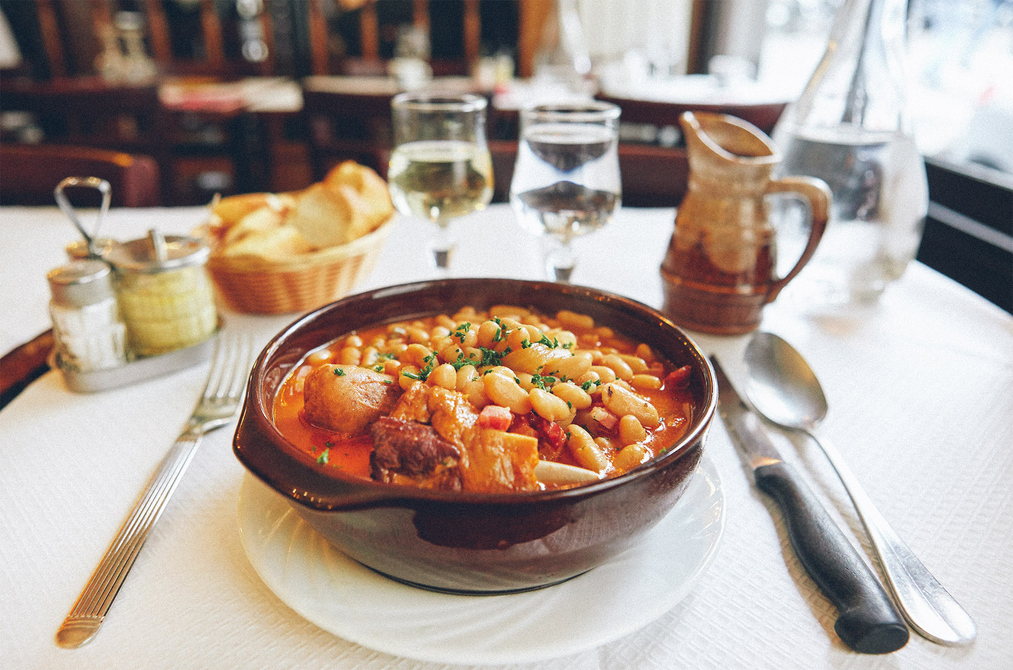 Sooooo hungry for cassoulet now. Field trip to Toulouse, anyone?