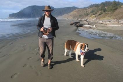 IMG_2548 western Oregon coast, the landrovers, saint bernard