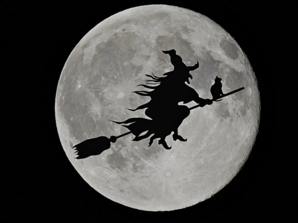 A witch with a black cat riding on her broom in the moonlight. Source: www.pixabay.com