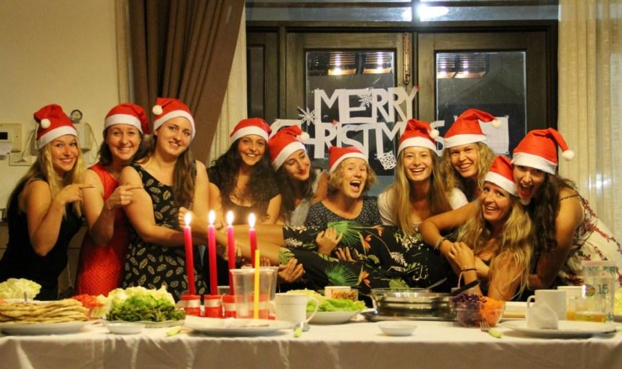 Team V on Christmas Eve: Veronika, Magdalena (guest helper), Rebecca, Hanna, Marie, Lea, Lara, Janina, Sandra, Ariane