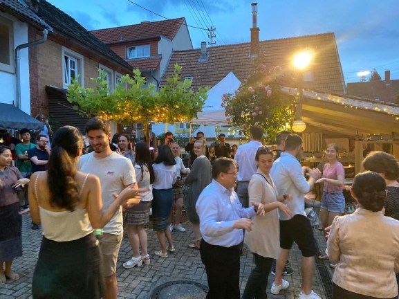 Lao Dancing with distance at the 6th Lao-German Friendship Feast in July 2020