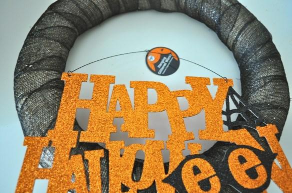 Happy Halloween 1024x680 10 Minute Halloween Wreath