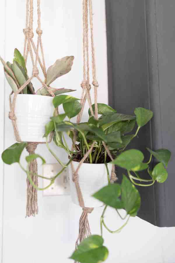 Simple DIY Plant Hangers FOB Farmhouse Inspired Spring Decor DIYs
