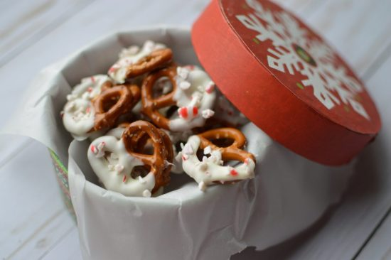 Easy To Make White Chocolate Peppermint Pretzels!