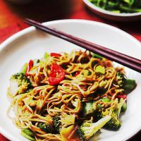Garlic Soba And Vegetables Stir-Fry