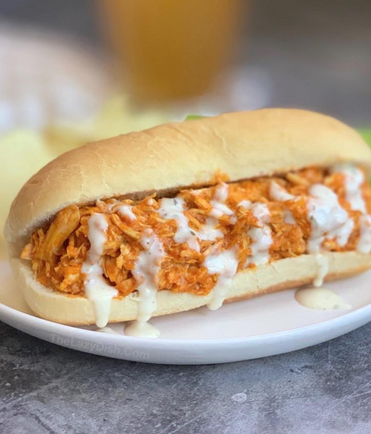Easy Crockpot Shredded Buffalo Chicken Sandwiches - The ...