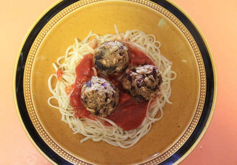 Curried Walnut Meatless Meatballs | The Lazy Vegan Baker