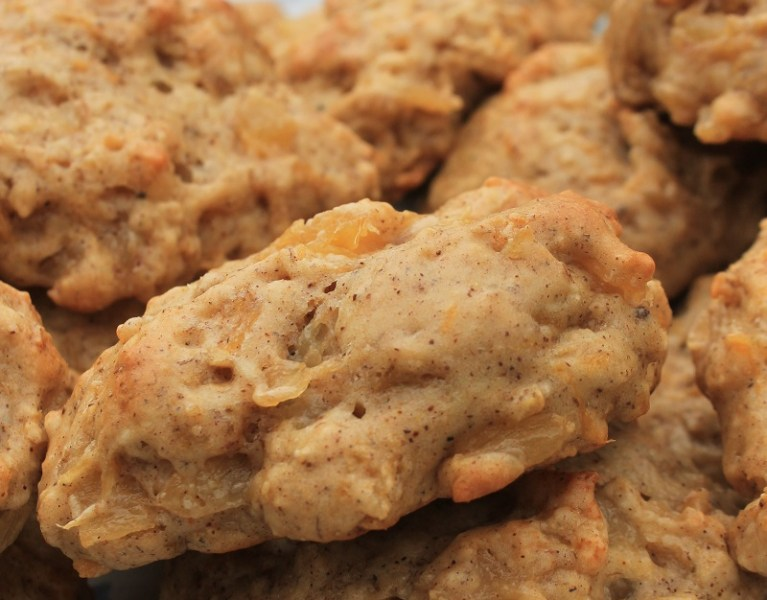 Caramelized Pineapple Banana Drop Cookies | The Lazy Vegan Baker