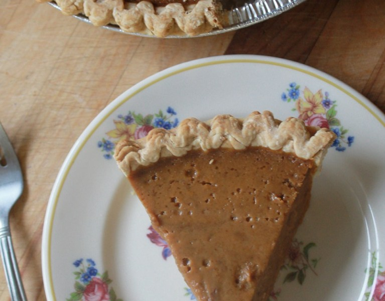 New England Pumpkin Pie | The Lazy Vegan Baker