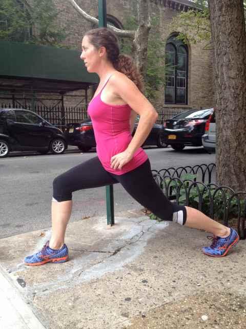 stretching hipflexorside