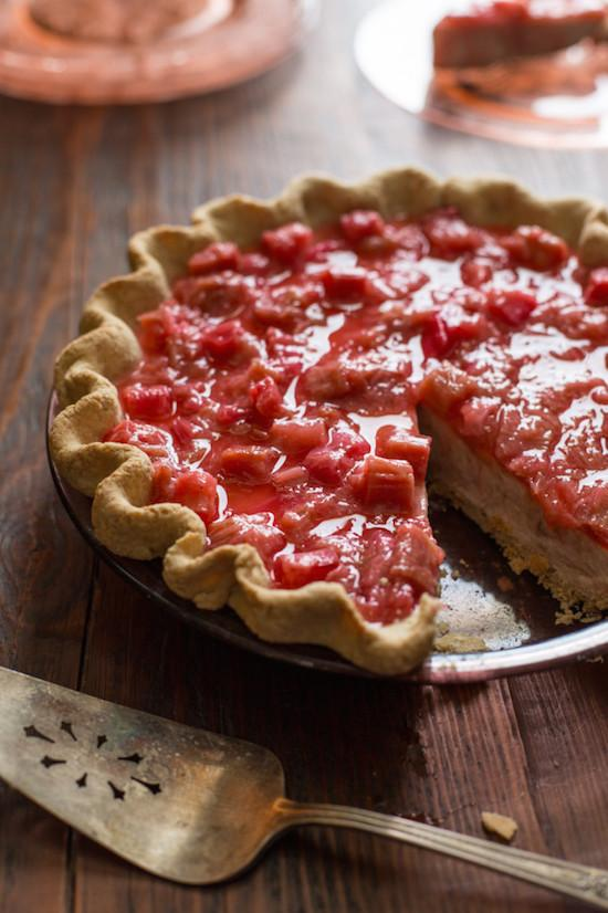Rhubarb Chai Cream Pie
