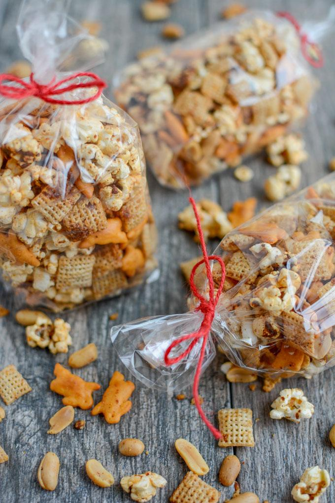 Sweet & Spicy Popcorn Snack Mix for an edible Christmas gift at the holidays!